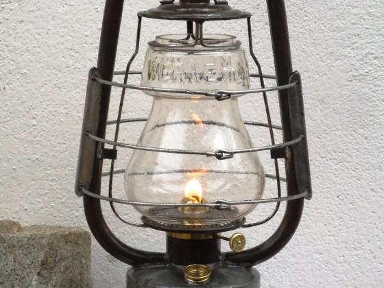 "Petroleumlampe / Sturmlaterne ""Mammut"" mit originalem Glas der MAMMUT Werke m. b. H.   /  Lohmann & Ruhland  Düsseldorf"